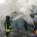 A Torre va a fuoco un bus