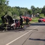 A  fuoco un'auto a Vespia di Castellamonte 1