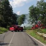 A  fuoco un'auto a Vespia di Castellamonte