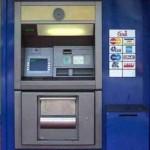 Arrestato un bancario per truffa, falso e indebito utilizzo di carte bancomat