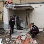 Assaltano due bancomat, messi in fuga dai Carabinieri