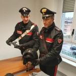 Bandito in scooter a caccia di orologi di marca, arrestato