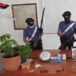 Controlli dei carabinieri, arrestato un uomo per possesso illegale di armi