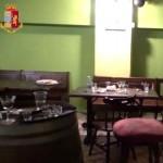 Controlli norme anti-Covid avventori in fuga da un pub