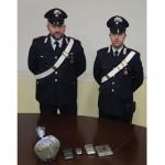 Droga a domicilio, arrestato pusher con 210 grammi di hashish e marijuana nello zaino