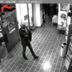 Fuggì con un bottino di 1.300 euro arrestato rapinatore 1