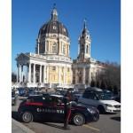 Furti seriali a turisti e fedeli davanti alla Basilica di Superga, carabinieri arrestano due persone