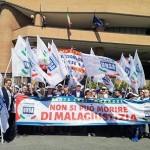 Giustizia sit-in dei lavoratori davanti al Tribunale di Torino