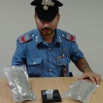 In macchina con 100 grammi di marijuana