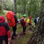 In salvo a Ceresole  un gruppo di giovani di un campeggio parrocchiale