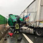 Incidente sulla A5 pericolo per la circolazione e traffico in tilt