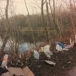 Lamentele per l'inadeguata gestione di rifiuti nell'area commerciale di  Burolo
