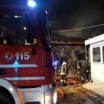 Un incendio distrugge il tetto di un fienile 1