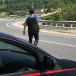 Valli di Lanzo non si ferma all'alt dei Carabinieri. Arrestato ladro ubriaco alla guida di auto rubata